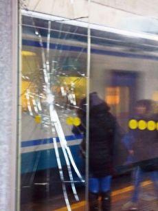 Small Fk Vetri rotti nella stazione di Pra'