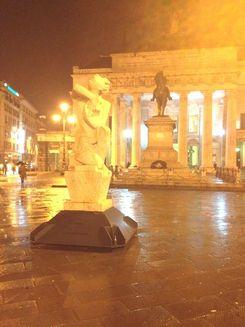 F La statua di Orfeo oggi in piazza De Ferrari a Genova