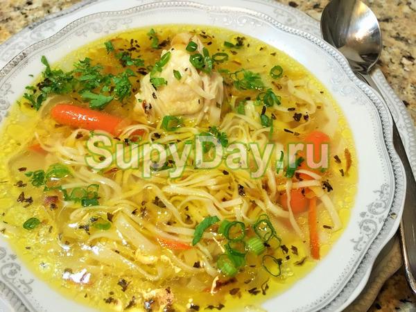 Куриный суп с вермишелью в мультиварке - блюдо с домашней ...
