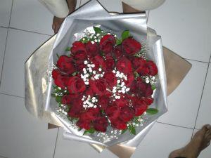 buket tangan mawar merah murah surabaya