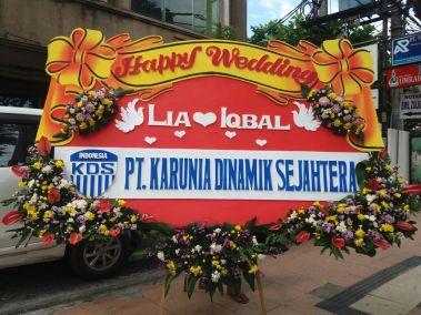 karangan papan bunga wedding di surabaya