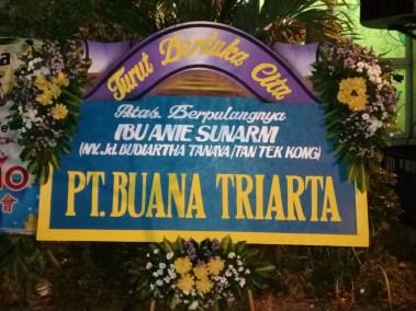 Bunga papan duka cita di surabaya