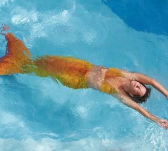 mermaid in pool during show