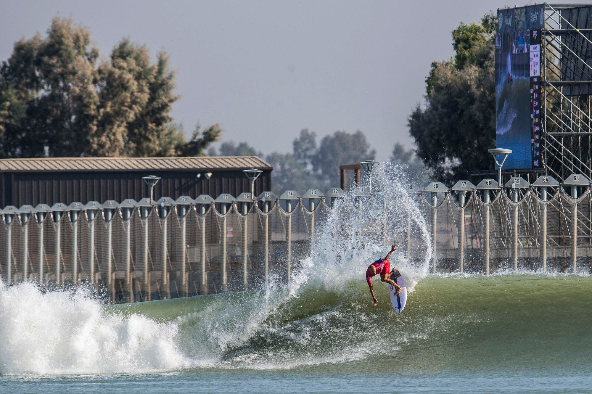 Slater to Build Largest Man-Made Wave in California Desert