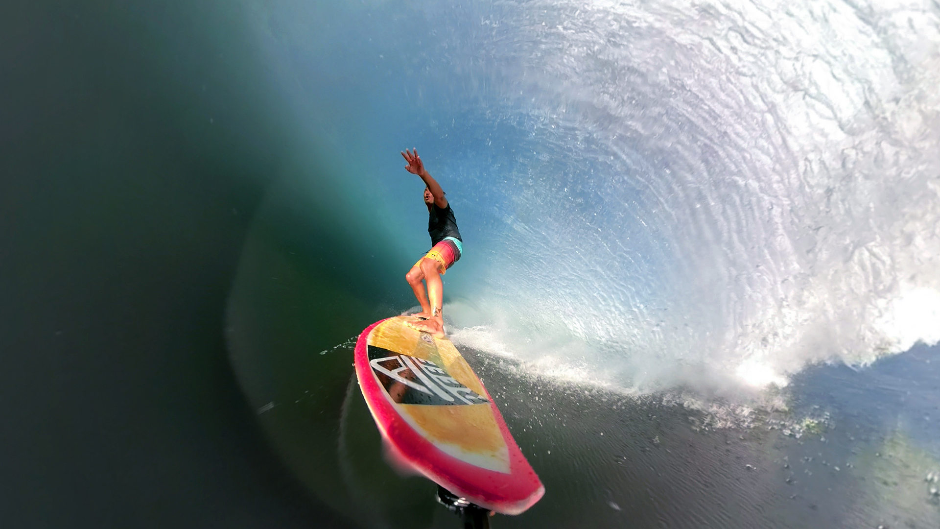 d8e817cbed4 The 360-Degree GoPro Fusion Camera Amazing Barrel Photos | SURFER ...