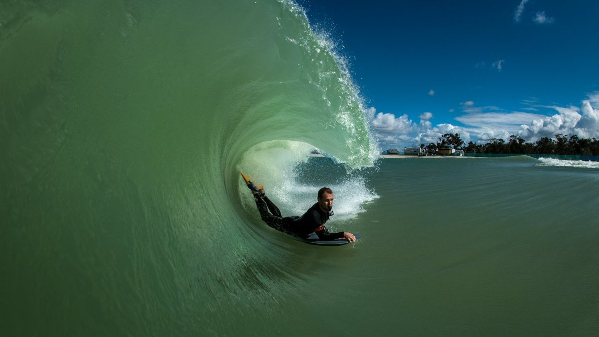 Surf Lakes Claims To Produce 8 Foot Artificial Tubes