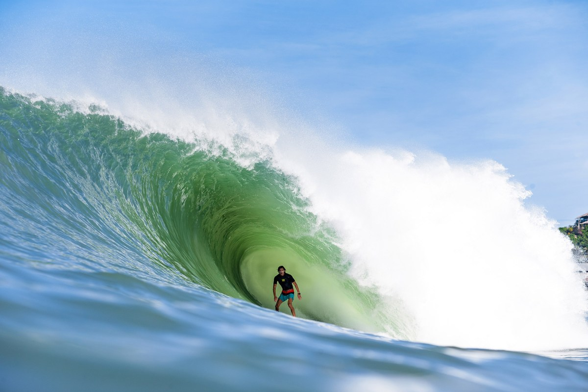 biggest nias swell ever