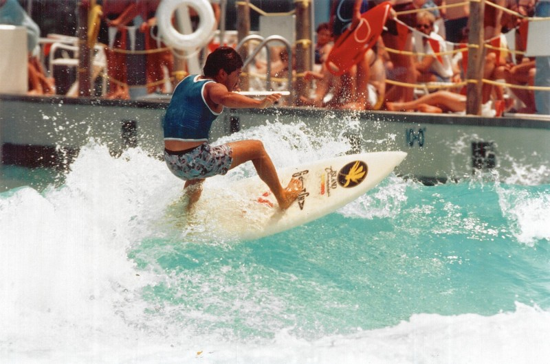 Michael Ho Surfing Dorney Park Wave Pool at the 1985 Inland Surfing Championships | Surf Park Central