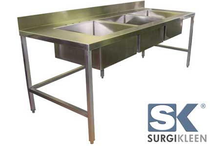 lab sink table with 3 sinks
