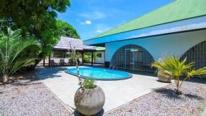 Van Drimmelenlaan 20 - Uitvlugt - Suriname - Surgoed Makelaardij NV