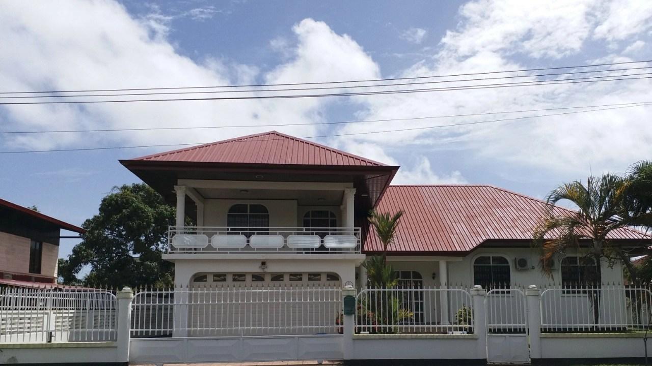 Margarethalaan 28 - Grote woning met vele mogelijkheden op een toplocatie. - Surgoed Makelaardij NV - Paramaribo, Suriname