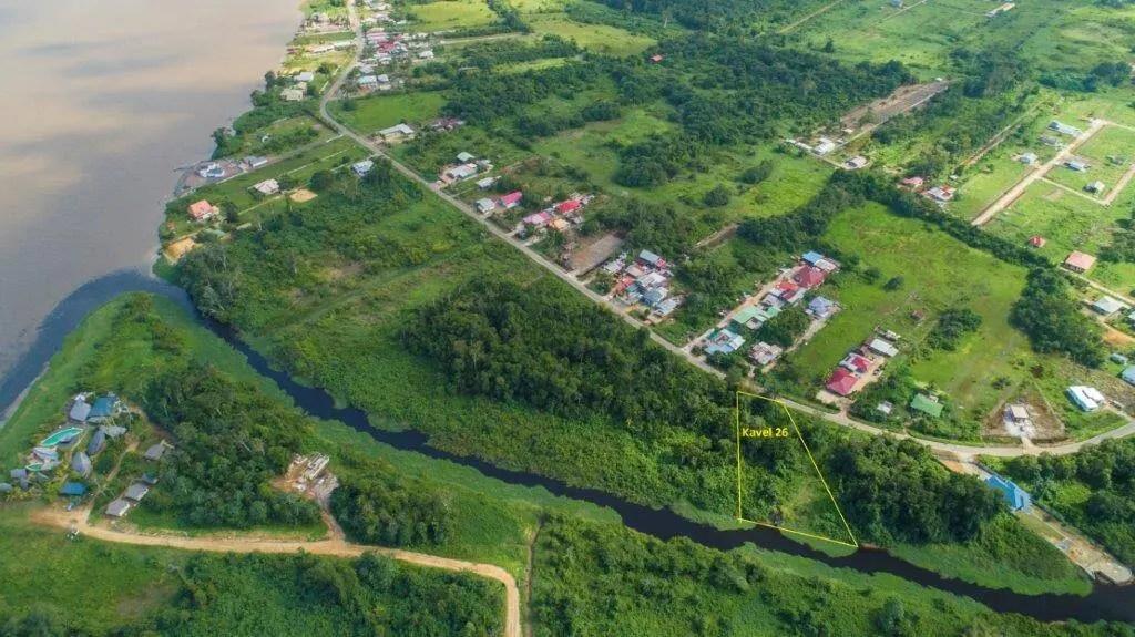 Sir Winston Churchillweg 26 - Prachtige kavel Parakreek - Surgoed Makelaardij NV - Paramaribo, Suriname