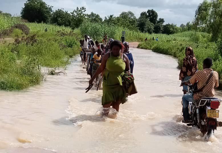 Burkina Faso: 3 nouveaux boursiers sur le chemin de l'école !