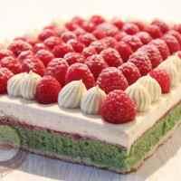 Gâteau pistache framboise, crème diplomate à la vanille