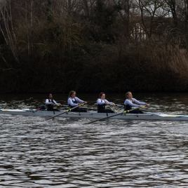 Women's beginner 4+ 'B' looking strong