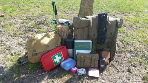 Survival kit set rucksack
