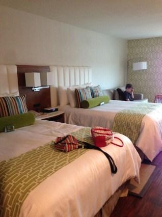 review-of-the-hotel-indigo-anaheim-family-suite