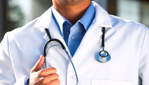 चिकित्सकहरुको दबाबका कारण पछि हट्यो सरकार