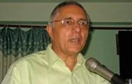 डा. कोईराला प्रश्न गर्छन्, 'लोडसेडिगं अझै ४/५ घण्टा छ, सरकार कहिले जिम्मेवार हुन्छ ?'