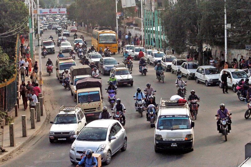 यसरी हट्दैछ काठमाण्डौ भक्तपुर जोड्ने मुख्य सडक कोटेश्वरको सवारी चाप