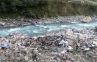 नदीको पानी प्रदूषित