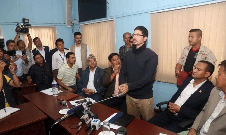 सुनकाण्डः गोरेले व्यापारी देखि ठूला नेतासम्मलाई मुछे