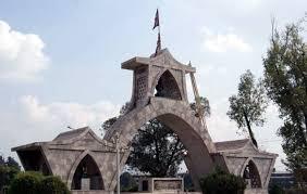 निर्माण व्यवसायीको लापरवाही र सरकारको बेवास्ताले शहीद स्मारक अलपत्र