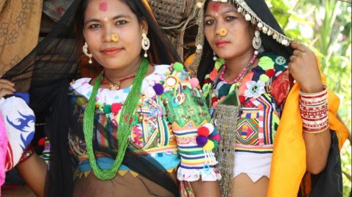 थारु समुदायको अटूट आस्था र विश्वासले भरिएको सखिया नृत्य