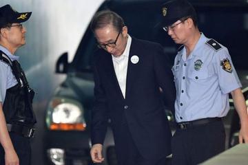 भष्ट्राचार र शक्ति दुरुपयोग मुद्धामा दक्षिण कोरियाली पूर्व राष्ट्रपति ली दोषी ठहर : १५ वर्षकाे जेल सजाय