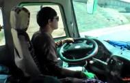 दुई चालक नराख्ने सवारी साधन कारवाहीमा