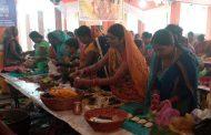 सौभाग्यवती एवं सन्तानको कामना गर्दै देवी दुर्गा भवानीको 'खोइँछ' (पोल्टा) भर्ने विधि सकियो