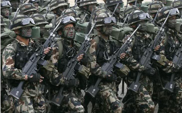 नेपाली सेनाले भित्र्यादैँछ यस्ता हतियार   !