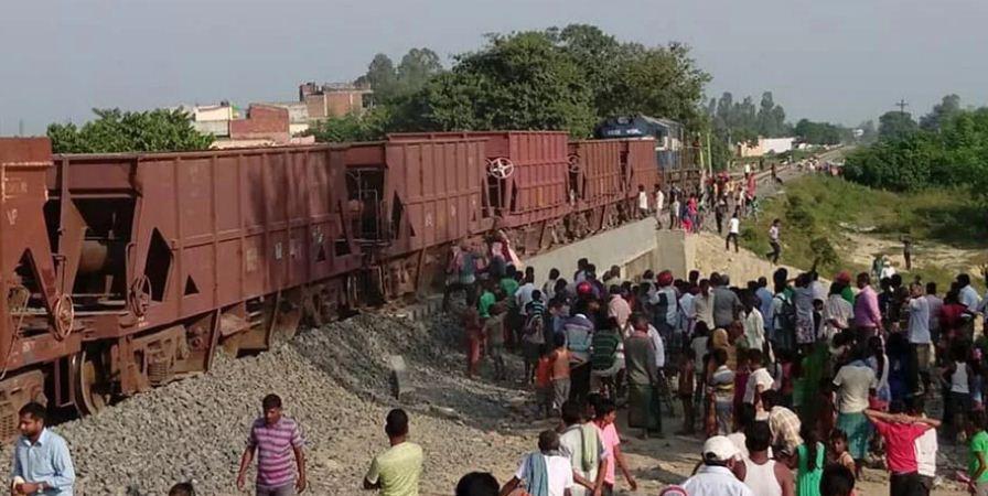 नेपाल-भारत रेल जोड्ने प्रधानमन्त्रीको योजनाको सफल शुभारम्भ: जनकपुरमा रेल आईपुग्यो