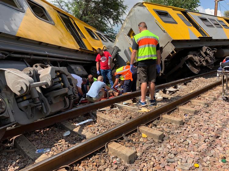 रेल दुर्घटनामा तीनको मृत्यु, ६५० घाइते