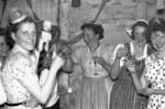 Karneval V.l. Sefi Schneider, Elisabeth Sauer, Maria Loeser, Hedi Reuther