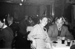 Vorne Frau Bahne, Johannes Bahne, im Hintergrund Willi Wigger und Frau