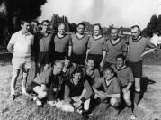Alte Herren 1970 Stehend v.l. Fredi Hansel, Theo Nahrmann, Heinz König, Manfred Krick, Wilfried Hering, Hans Zöllner, Theo Schwennecker. Unten v.l. Ewald Becker, Bruno Koerdt, Hans Brauner, Willi Sternschulte, Werner Hering, Friedhelm Horstmann.