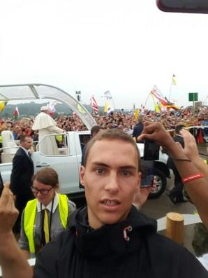 Florian Volmer mit dem Papst in Krakau am 31.07.2016