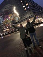 Lennart Wilms und Florian Volmer vor der Markthalle in Rotterdam am 29.03.2018