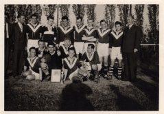 Unten 2.v.l. als Spieler der Ersten 1958 SuS Pokalsieger in Sönnern