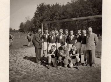 1. Jugendmannschaft SuS Staffelmeister 1956 und 57
