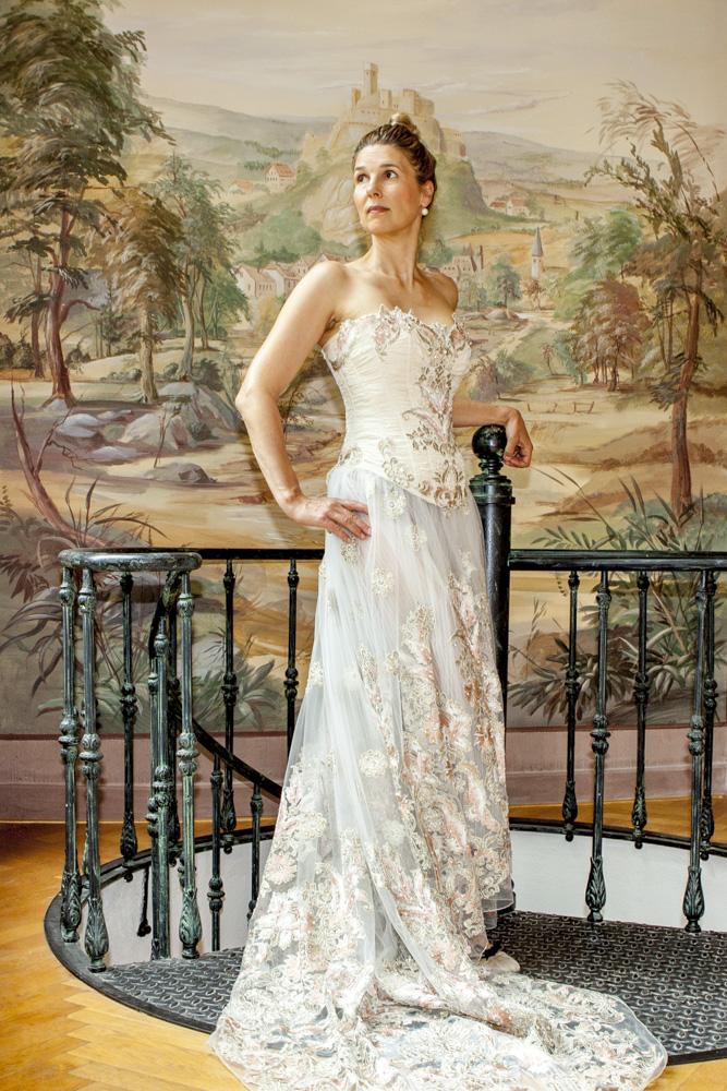 Fotografin SUSALI ist buchbar für Hochzeiten, Events, Veranstaltungen, Geburtstage und Business in Frankfurt, Friedrichsdorf, Bad Homburg, Kronberg, Oberursel, Taunus. Destination Shootings auch möglich.