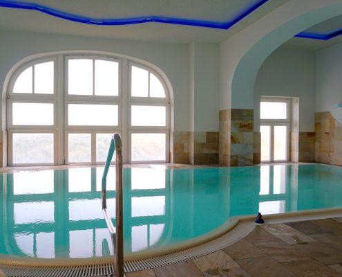 Wei es schloss am meer strandhotel kurhaus juist mit gewinnspiel susamamma for Hotel juist schwimmbad