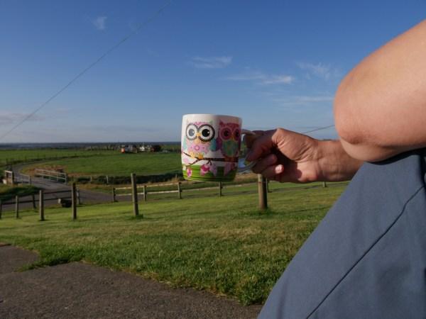 Tee auf der Kante