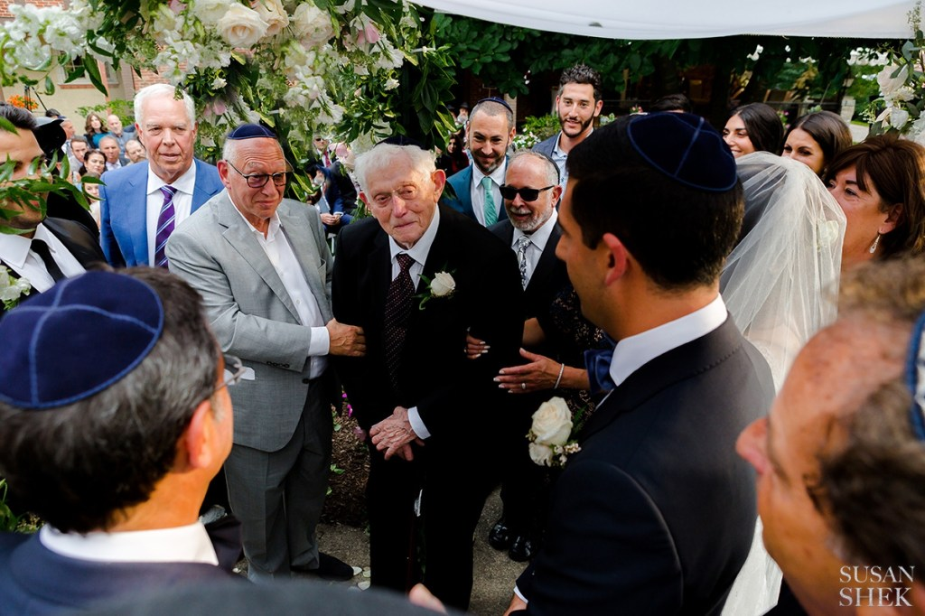 seven blessings is a popular jewish wedding tradition