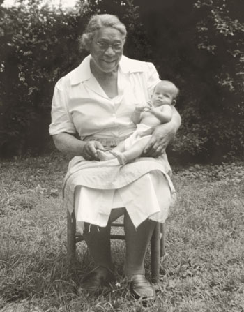 Gee-Gee holding Sally Mann as a baby