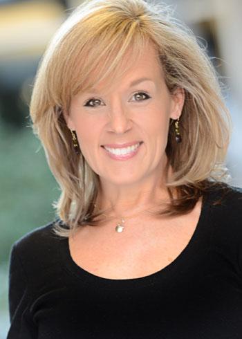 Susie Davis headshot