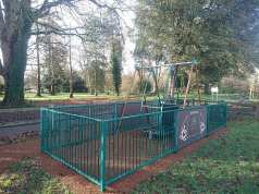 Wheelchair swing - Hotham Park