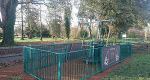 Wheelchair swing - Hotham Park