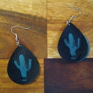 cactus cut out of teardrop earrings with background color